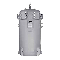 The RVMF Series Vertical Vessels are used with Racor Hydrocarbon FP, FS, and HIF coreless, high eiciency microilter series cartridges.