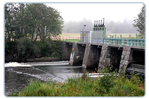 Sluice Gate Jacks Improve Water Management